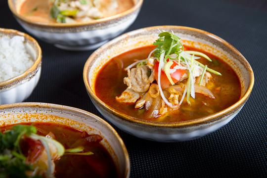 tarjoustalo myyrmäki tikkurila thaimaalainen ravintola